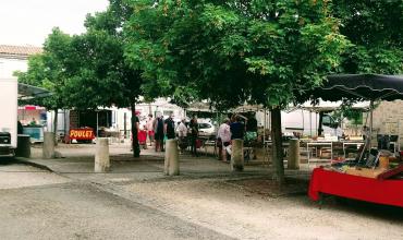 Le marché du dimanche et les ambulants